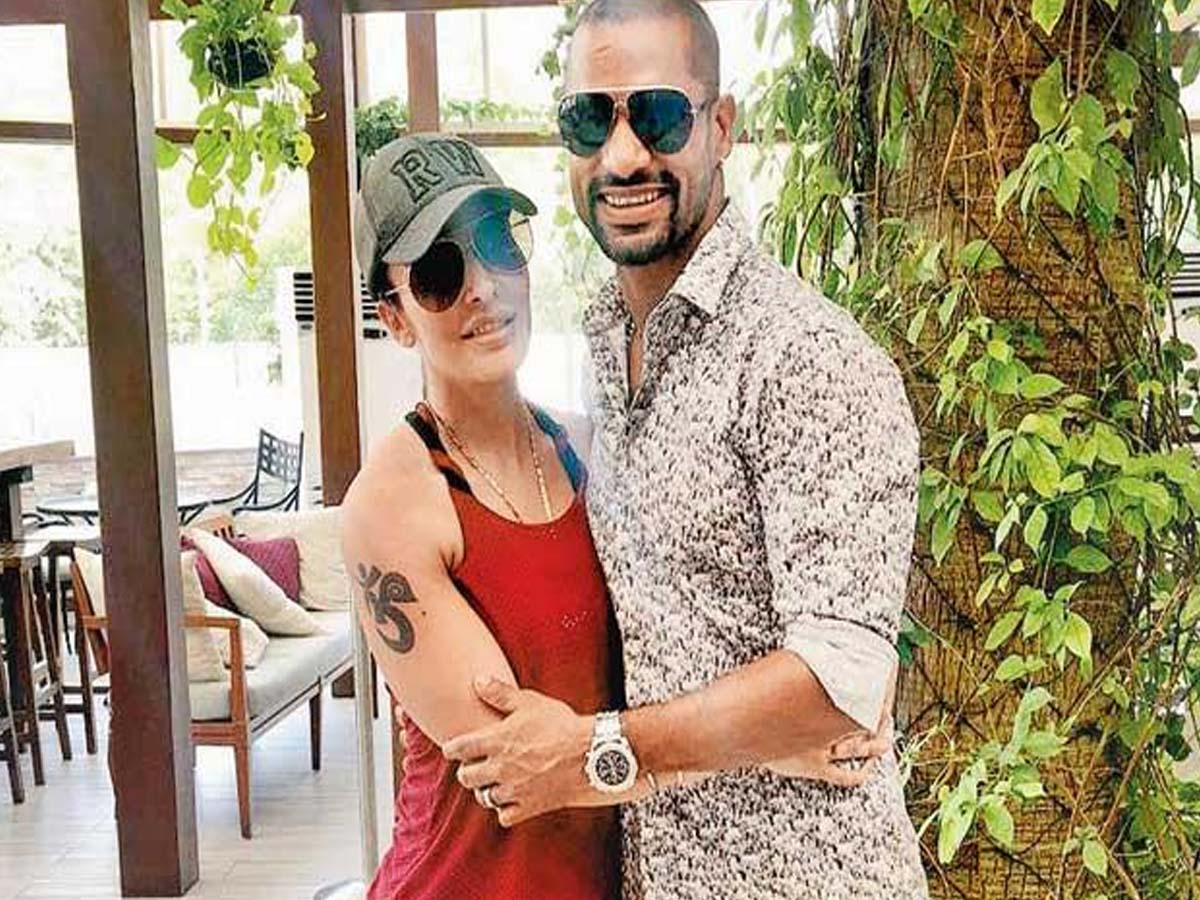 List of Indian Cricketers and their Beautiful Wives 9