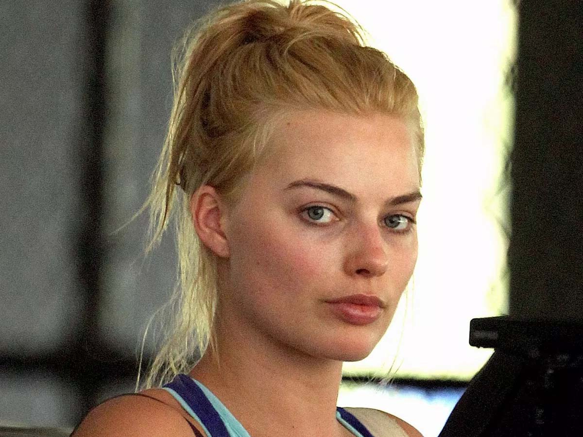 List of 21 Hollywood Celebrities without Makeup 3