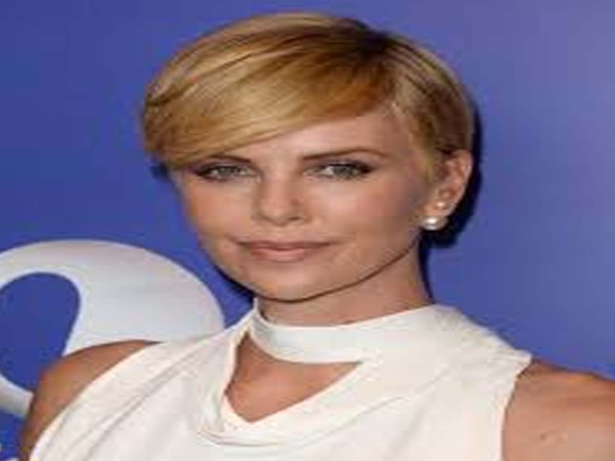 Celebrity Hairstyle - 20 Hollywood Actresses with Short Hair Cuts 3