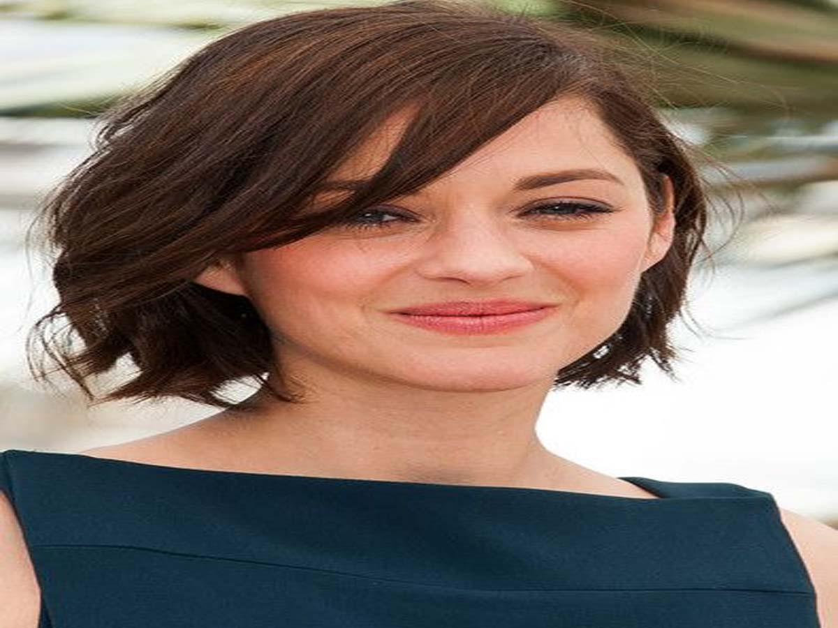 Celebrity Hairstyle - 20 Hollywood Actresses with Short Hair Cuts 8