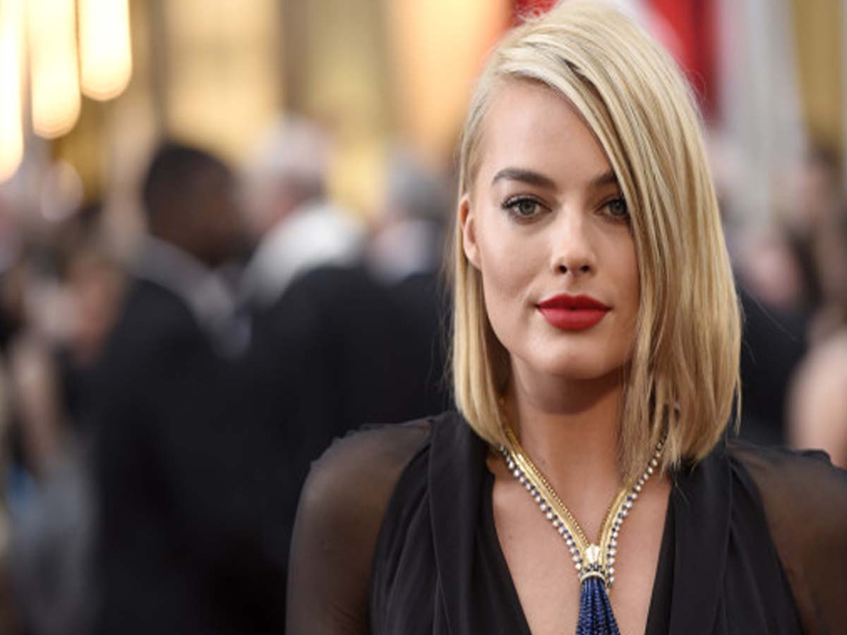 Celebrity Hairstyle - 20 Hollywood Actresses with Short Hair Cuts 10