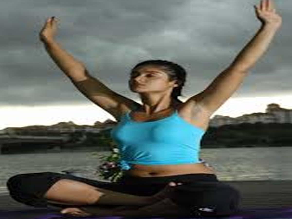 Ileana D Cruz Indian Celebrities doing Yoga