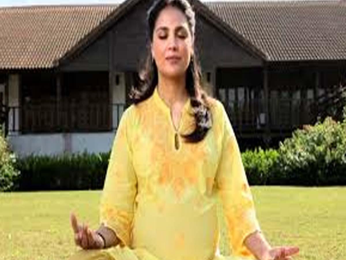 Lara Dutta Indian Celebrities doing Yoga