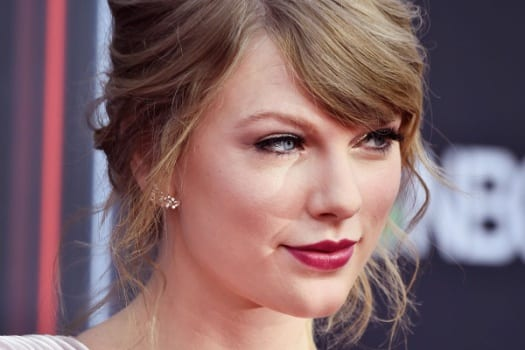 Taylor Swift - Celebrity Hairstyle