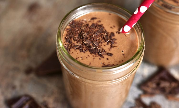Banana chocolate smoothie - after workout smoothies - After workout smoothies | Breakfast Ideas for Bodybuilding