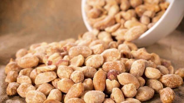 peanuts - healthy bodybuilding snacks