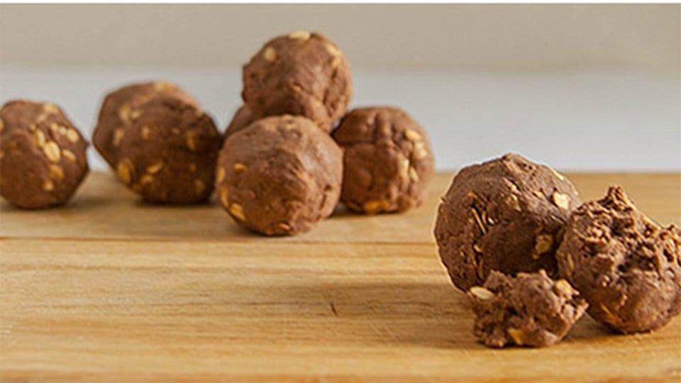 Protein Peanut Butter Balls - healthy bodybuilding snacks