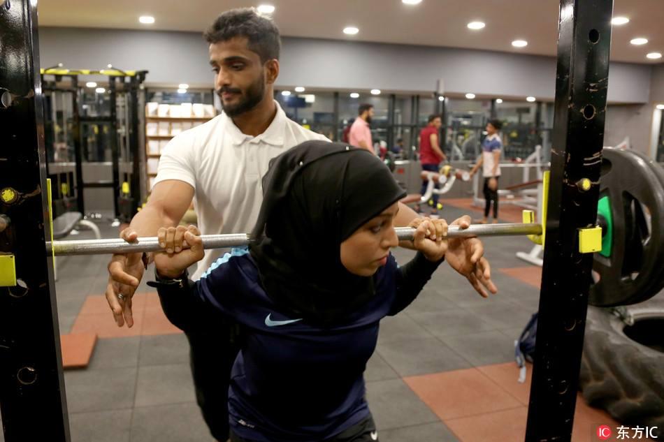 Meet the Hijab Wearing Bodybuilder from Kerala, India 1
