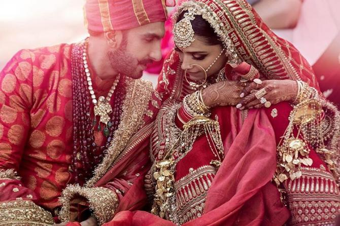 VIRAL : Is Deepika Padukone Pregnant?