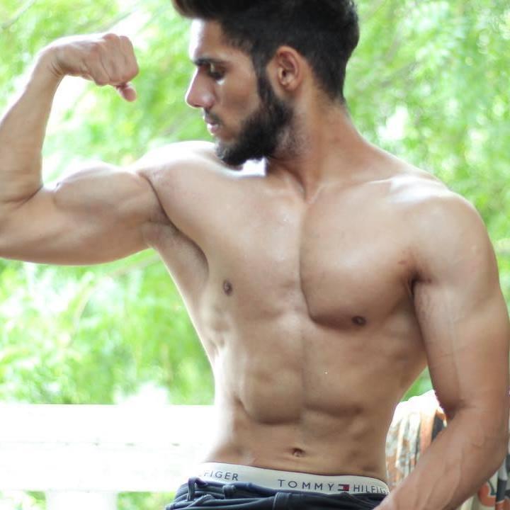 Debutant Actor Rishaab Chauhaan Workout between his Shots