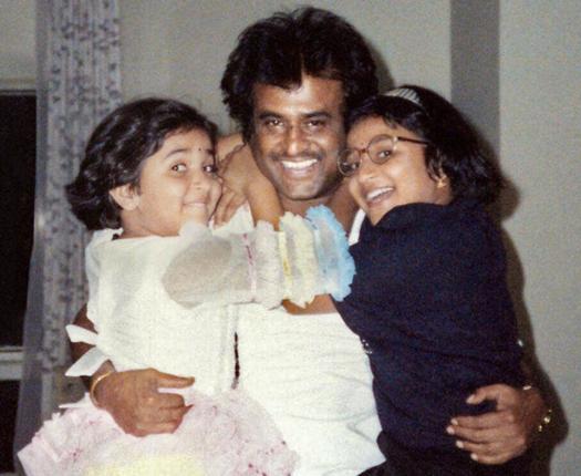 Aishwarya n Soundarya with Rajnikanth in Young age