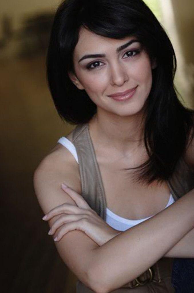 Nazanin Boniadi 49