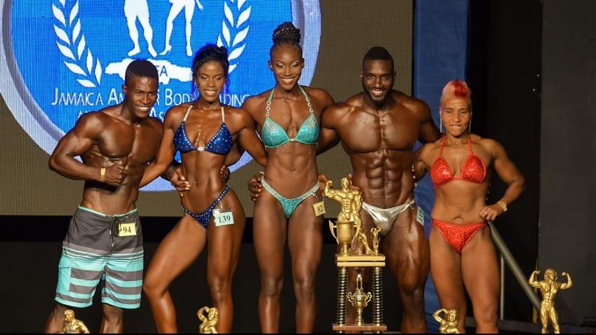 Saunders wins Novice Bodybuilding Title