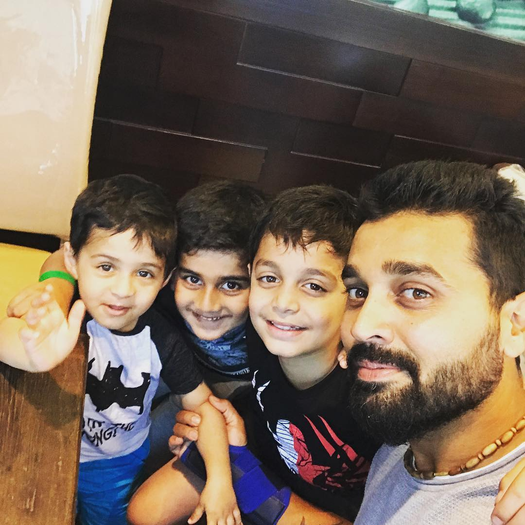 murli vijay children