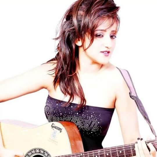 Vinita Chatterjee Early Life
