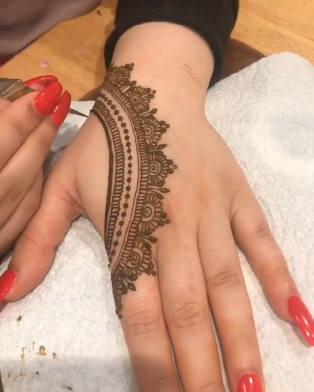 Simple Mehendi Design 3