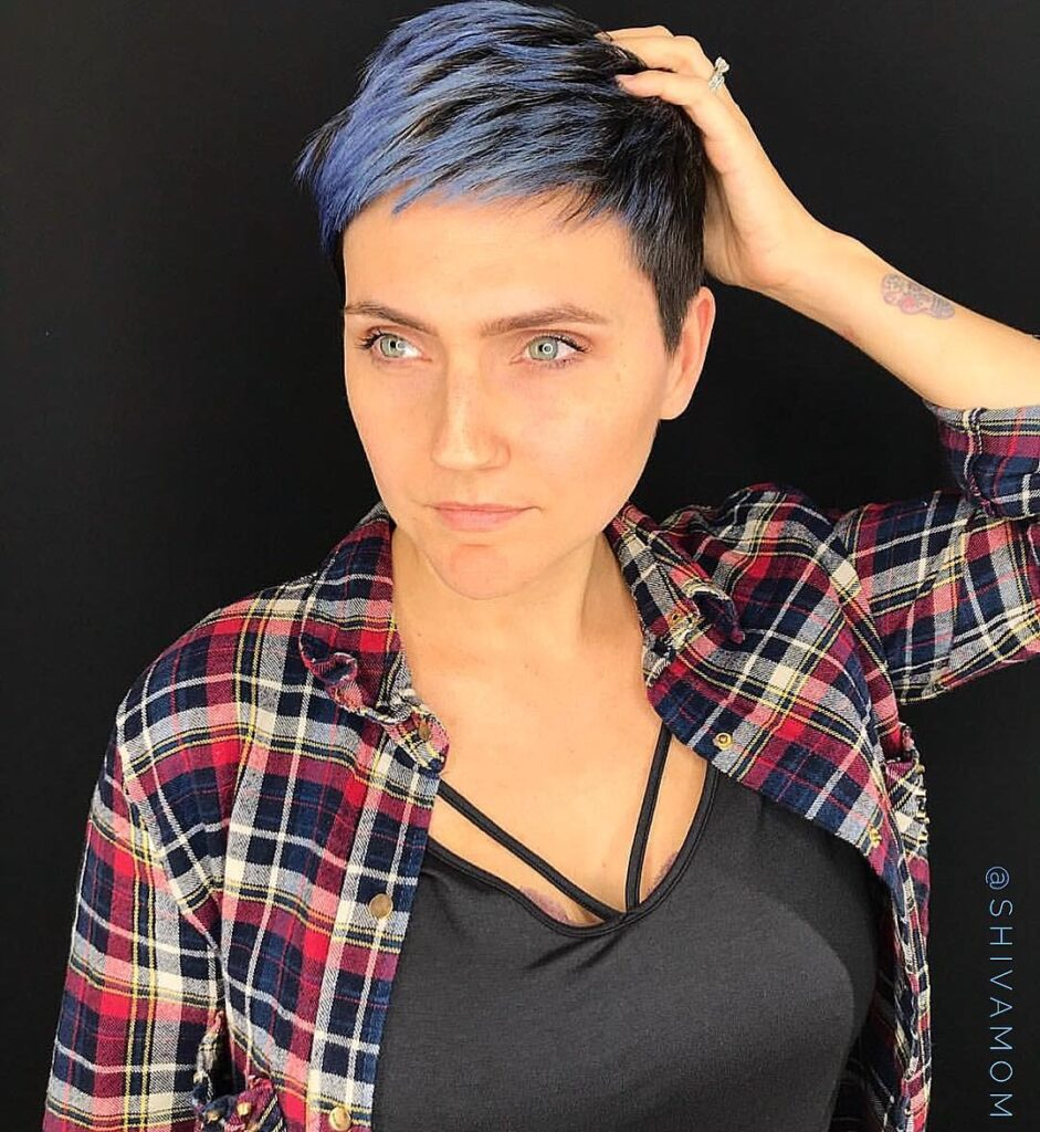 Persian Blue Hair Front Pose - Gorgeous Blue Hair Color Ideas
