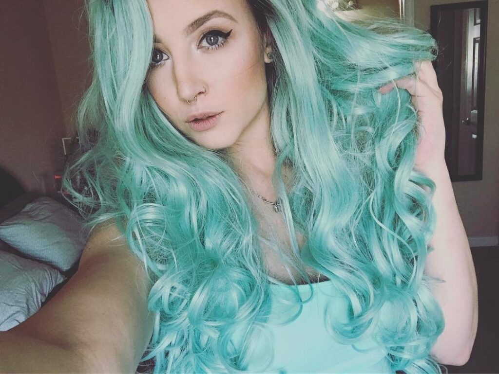 Tiffany Blue Hair Front Pose - Gorgeous Blue Hair Color Ideas